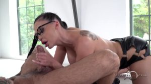 """ALETTA – A Sex Therapist Who Teaches How To """"suck"""" Her Patients Properly"""