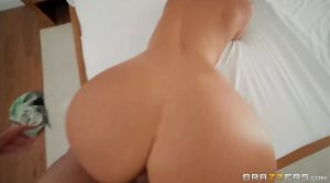 MommyGotBoobs – Alexis Fawx – Bet You Can't Touch Her Boobs!