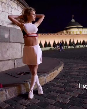 Remove Panties And Flash On The Red Square In Moscow
