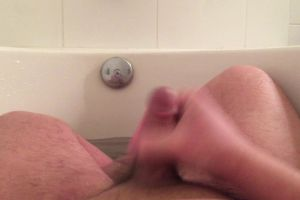 24m – A Little Fun In The Tub. PMs Welcome <3