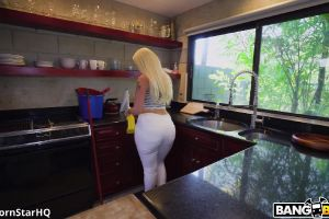 Alexis Andrews – Dirty Maid Fucks For A Tip