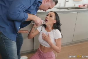 Amia Miley – Laying Pipe For A Pornstar