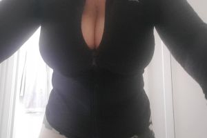 Getting My Boobies Out In The Bathroom Of A Friend's House Xx Goodnight Xx 54yo F ???