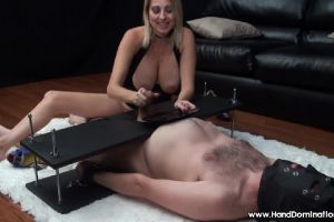 """Give It To Me, Show Me…"" RO – HandDomination"