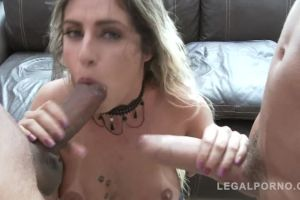 Latina Slut Mia Linz Giving A Blowjob