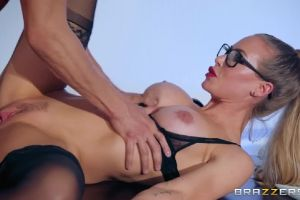 Nicole Aniston Has Spunky Spectacles